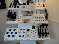Mii Make Up Stand
